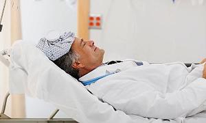 Acil serviste doktorlara saldırı