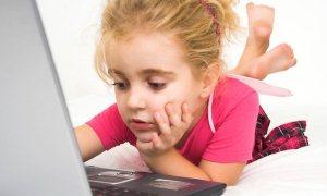 Çocukları tabletten, laptoptan uzak tutun!