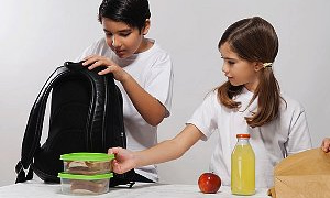 İşte doğru yiyeceklerden oluşan beslenme çantası