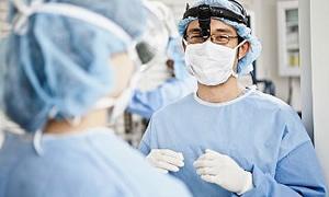 Bininci karaciğer naklini gerçekleştiren rekortmen ekibe ödül