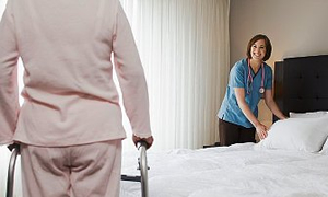 Evde bakım hastane maliyetlerini yüzde 40-60 azaltıyor