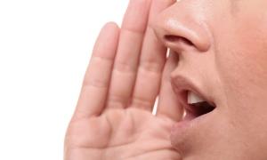 Afoni hastaları seslerine yeniden kavuşuyor