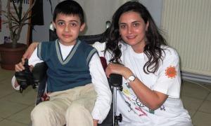 Yahşi Cazibe'den omurilik felçlisi çocuklara moral ziyareti