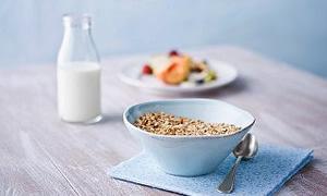 İftarda sebzeli yemek yiyin, sahurda süt için