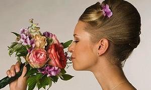 Çiçeklerin saçlarınız üzerindeki etkisi
