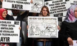 Tıbbi sekreterlerden Sağlık Bakanlığı önünde protesto