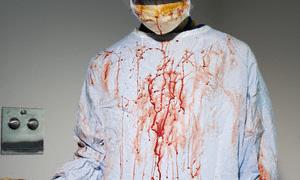 Doktora bıçaklı saldırı