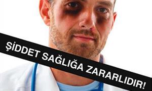"""Sağlıkçılardan """"şiddet"""" protestosu"""