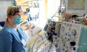 Doktora darp! Doktor hanımın tedavisi yoğun bakımda sürüyor