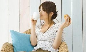 Kolesterol düzeyinizi ilaç içmeden beslenmenizi düzenleyerek düşürebilirsiniz