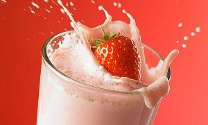 İftarda meyve suyu, sahurda süt için