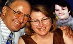 Şizofreni hastası genç, doktor anne ve babasını öldürdü