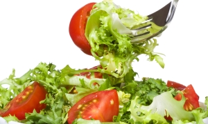 İftarda ağır besinler yemek reflü nedeni!