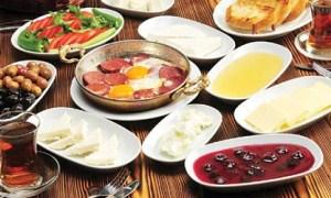 Sabah hafif kahvaltı öğlen sebze yemeği