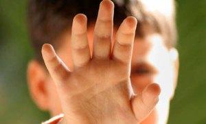 Aile içinde şiddet gören çocuk içine kapanık yetişiyor