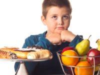 Ergenlikte ayaküstü beslenme obeziteye yol açıyor