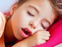 Uyurken sürekli ağzından nefes alan çocukları bekleyen tehlike: 'Kalp Büyümesi'