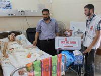 Gazze yaralarını Yeryüzü Doktorlarının ilaçlarıyla sarıyor