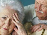 Yaşlıyı çok ilaç hasta ediyor