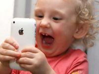 """""""8 yaş altı çocuklara cep telefonu kullanımı engellenmeli"""""""