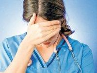 """Sağlık çalışanlarının """"maaş krizi"""""""