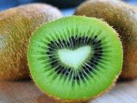 Burun estetiğinde yeşil meyve ödemin atılmasını sağlıyor