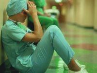 Sağlık çalışanları şiddet gördüklerinde artık bu numarayı arayacak