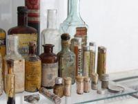 40 yıllık eczacının mini ilaç müzesi