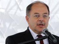 Sağlık Bakanı Recep Akdağ, sağlık çalışanlarını zayıflatacak