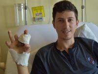 İzmir'de Hüseyin Dur'un ayak parmakları eline dikildi