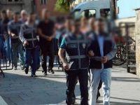 İzmir'de 14 sağlık çalışanına gözaltı