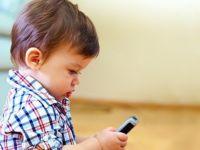 Küçük yaştaki çocuklar için 'cep telefonu' uyarısı