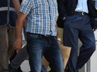 Akli dengesi bozuk kişi polis memurunu yaraladı