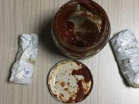 Salça kavanozundan uyuşturucu çıktı