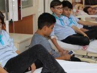Sivas'ta 29 öğrenci hastaneye kaldırıldı