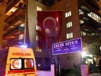 Şehit polis Fethi Sekin'in evine Türk bayrağı asıldı