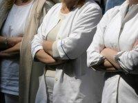 Genç doktorlardan göreve başlama ve askerlikten muaf tutulma protestosu