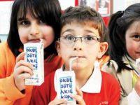Okullara iki parti sütün dağıtımı durduruldu