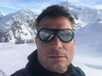 Everest'e tırmanan maceracı dahiliye uzmanı hayatını kaybetti