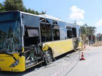 İstanbul'da trafik kazası! Hafriyat kamyonuyla İETT otobüsü çarpıştı: Yaralılar var