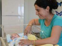 40 günlük bebeğin midesine beslenme tüpü yerleştirildi
