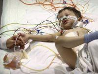 Organları ters doğan Ahmet Efe Gövcü nakille hayata tutundu