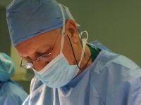 Türk cerrah hasta ve hasta yakınları için dernek kurdu