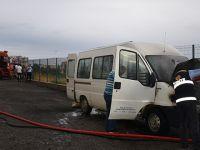 İl Sağlık Müdürlüğüne ait minibüs çıkan yangında kül oldu