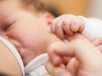 2 aylık bebek annesi emzirirken öldü