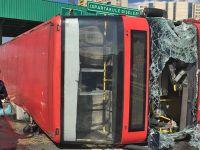 Son Dakika: İstanbul'da korkunç kaza! Özel halk otobüsü devrildi, çok sayıda yaralı var