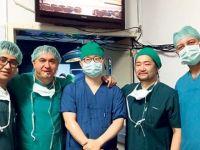 Türk ve Güney Koreli hekimler karaciğer ameliyatını dünyaya canlı yayında izletti