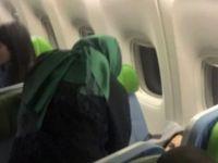 Uçakta rahatsızlanan yolcuya ilk müdahaleyi bakan yaptı