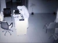 Sağlık Merkezine hırsızlar dadandı