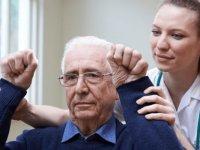 İnme kişileri engelli bırakma riski açısından birinci sırada yer alıyor